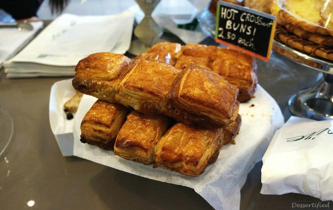 hot cross buns victoire bakery
